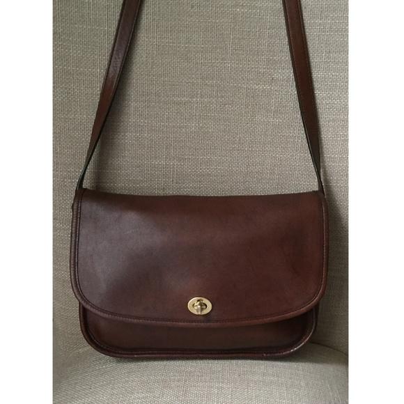 be3826333202 Coach Handbags - Vintage Coach City Brown Distressed Handbag 9790